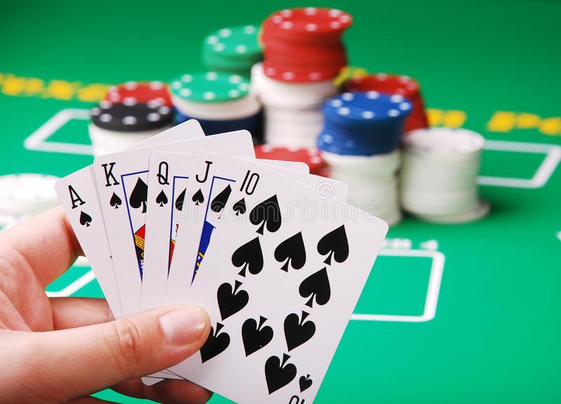 A Few Benefits Associated with Online Gambling Websites